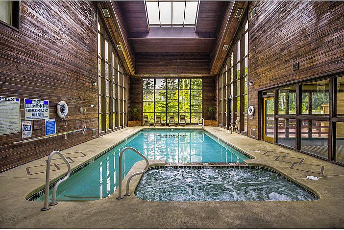 Community Indoor Pool & Jacuzzi