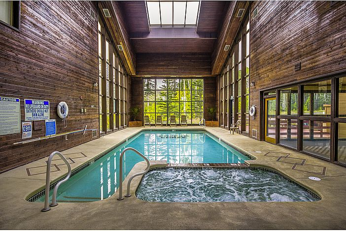 Community Indoor Pool & Jacuzzzi