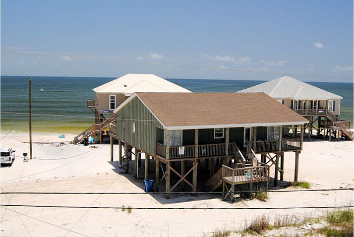 4 bedrm beach house- great partial Gulf views!