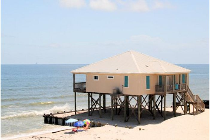 4 Bedroom Gulf-front Beach House, Newly-Remodeled