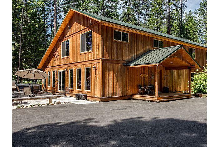 fc073b34b9 Marianne Lodge  Perfect Large Home