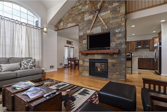 Living Room w/ Flat Screen TV & Propane Fireplace