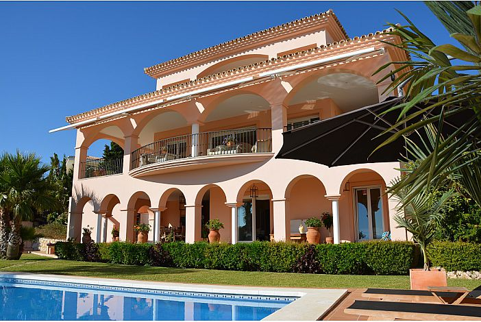 Beautiful Andalusian home with arches and pillars.