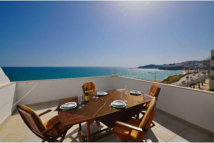Praia Mar balcony w/ stunning sea view