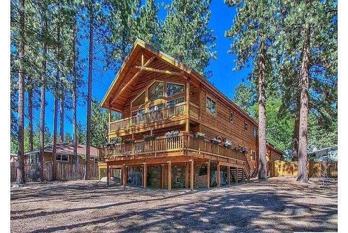 Back yard and large decks w/views of Lake Tahoe
