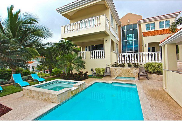 Pool, Backyard, Jacuzzi