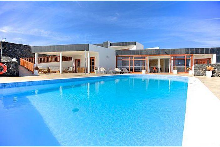 Luxury villa with 7 bedrooms