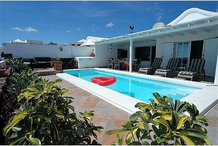 Lanzarote villa to rent
