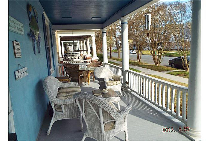 Enjoy Breakfast and Drinks on the Open Front Porch