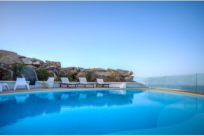 GreekVillas Aiolos pool and seaview