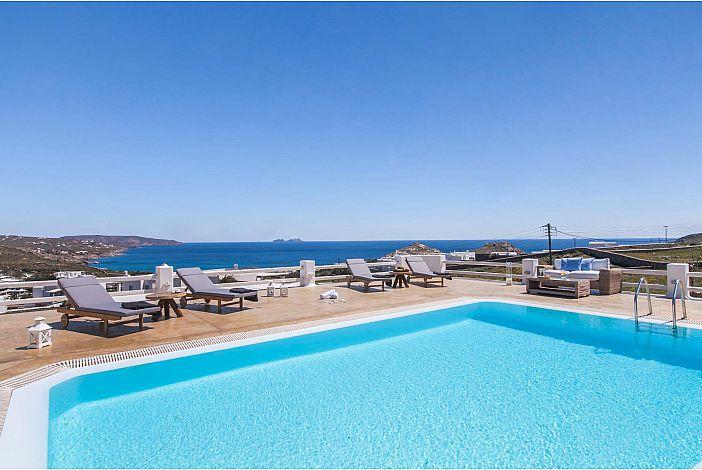Sunshine Villa Mykonos large pool deck