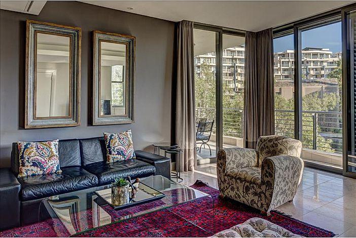 Lounge  / Views