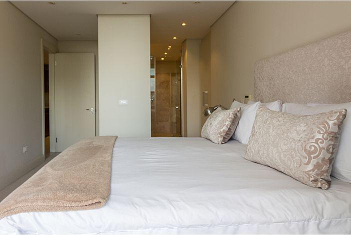 Main bedroom / ensuite