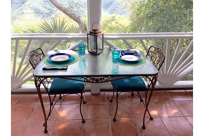 Dining for 2 on the Screened in Porch