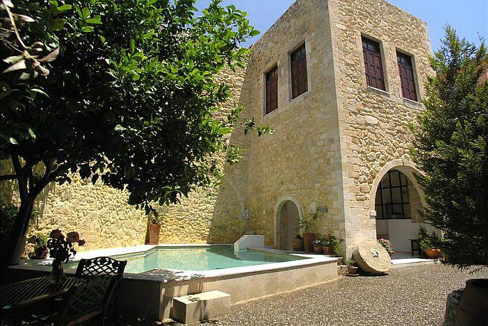 Villa Maroulas House build in 1426, Classified Her