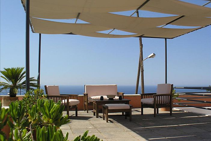 Sea view with a 140m2 (1506sqft) equiped terrace