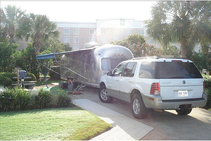 We accept travel trailers, 5th wheels and motor homes