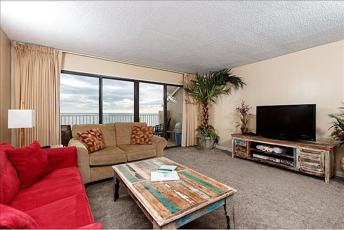 Spacious living area with gulf views!!