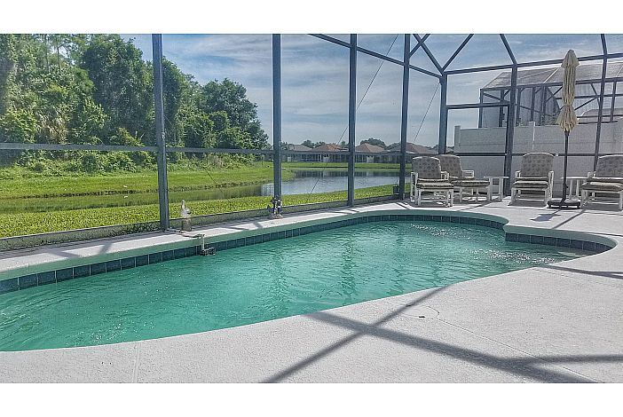4BR 3 BA Pool Home with Lake View
