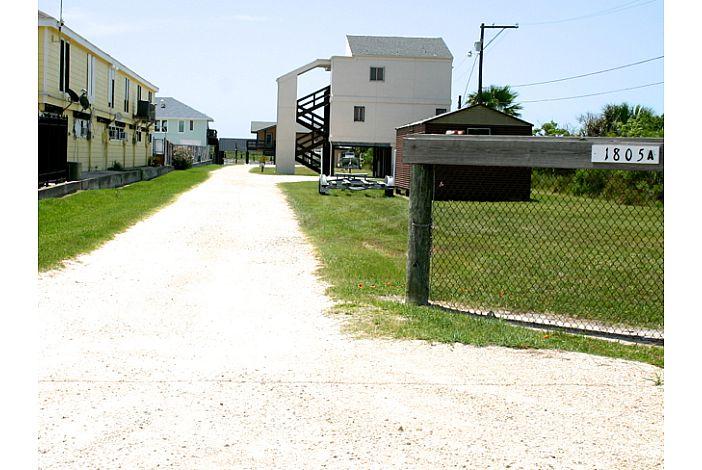 Taylors Driveway Entry