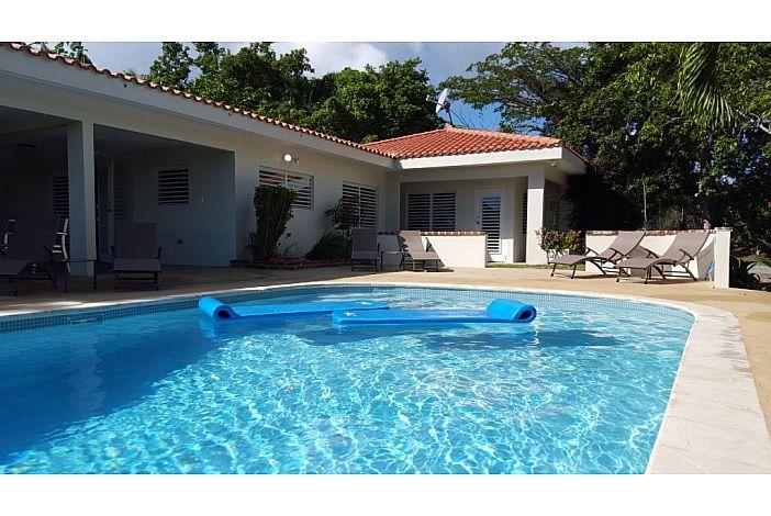 Backyard Boyz bravos boyz vieques vacation rental - marbella
