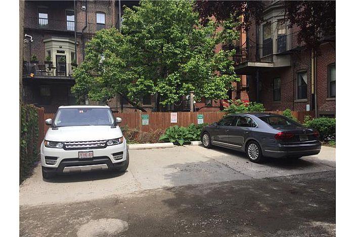 44 Concord Square Parking