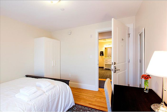 Double Room - Boston Hostel