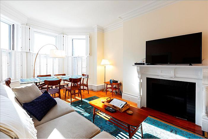 Living Room - Boston Furnished Rental, Back Bay