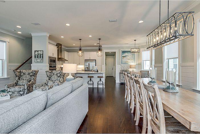 Gorgeous Floorplan Perfect for Entertaining!
