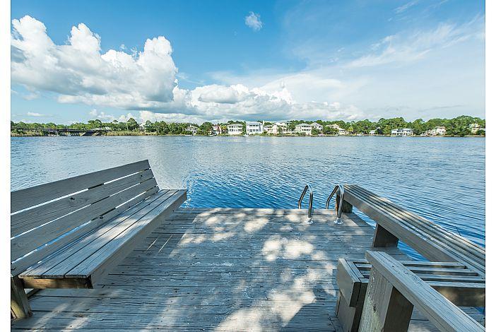 Beautiful Lake at Paddledown!