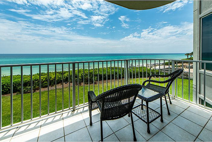 Relaxing Balcony with Gulf Views!