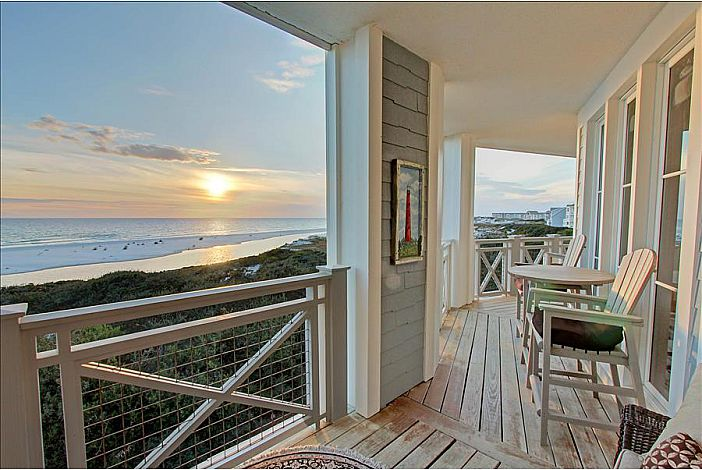 Wake up to the Beautiful Emerald Coast!