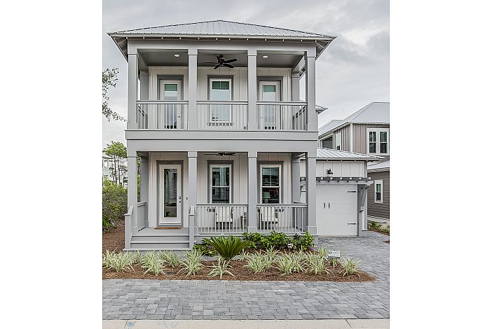 Gorgeous home in Highland parks!