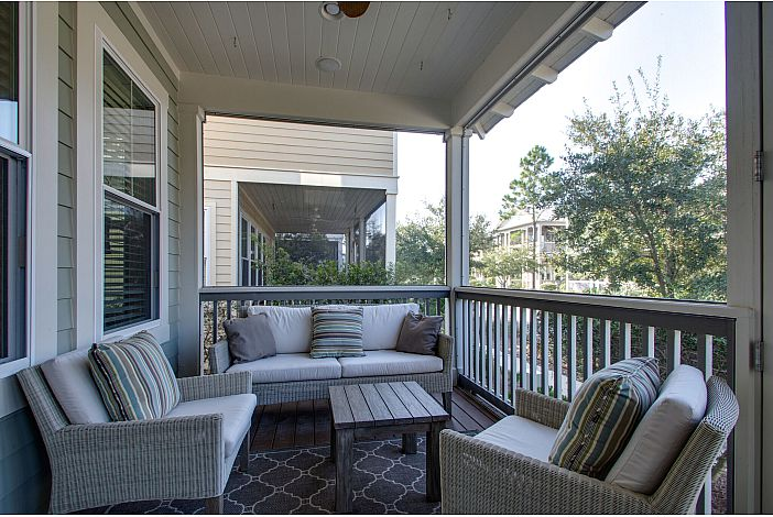 Screened-in Front Porch for your Morning Coffee!