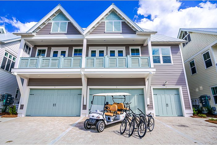 Features a 6-Seater Golf Cart and 3 Bikes!