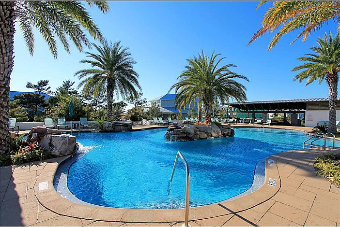 Highland Parks Awesome Pool!