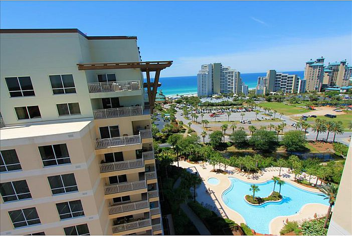 Views of the Gulf and Pool!