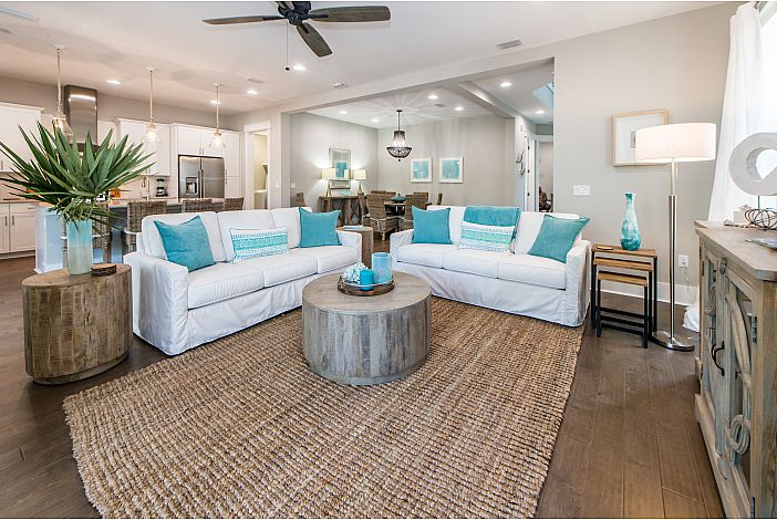 Tastefully Decorated Home!