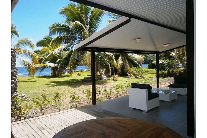 Fare Maoti - Garden and terrace/Jardin et terrasse