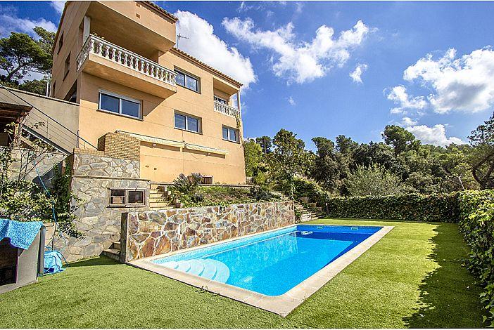 Villa exterior and private pool
