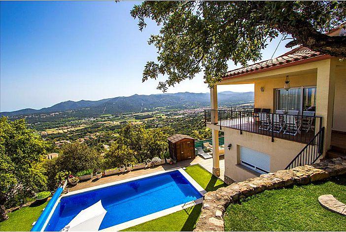 Santa Cristina views