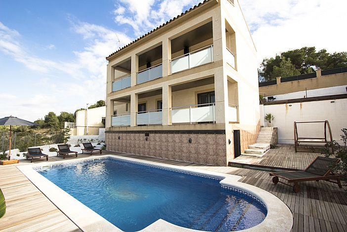 Designer villa and private pool