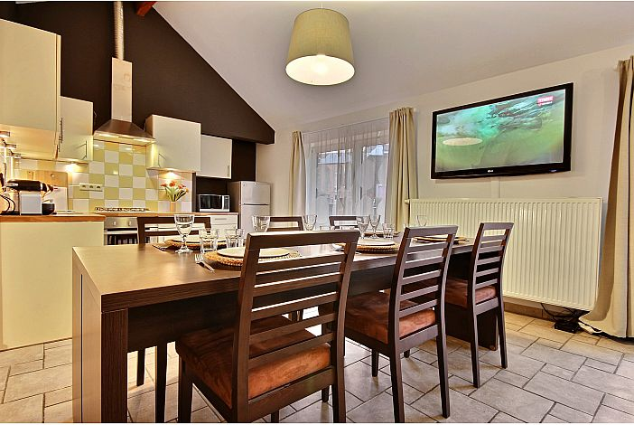 Spacious dinning room with the kitchen