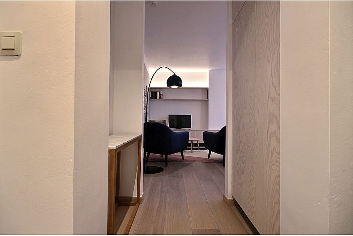 View from the corridor to the Living room