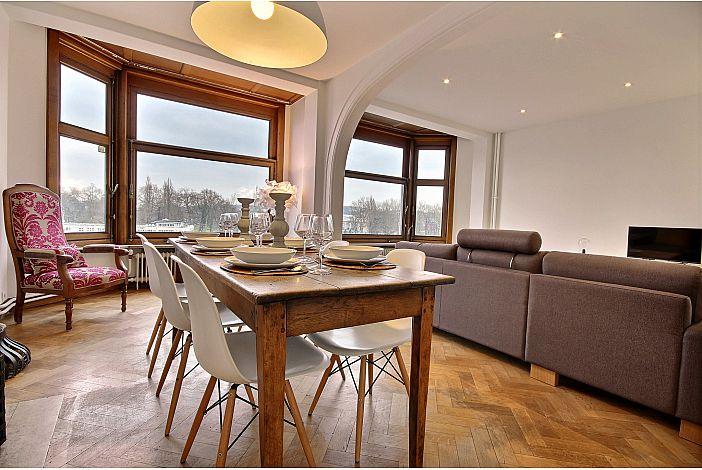 Spacious and charming living room