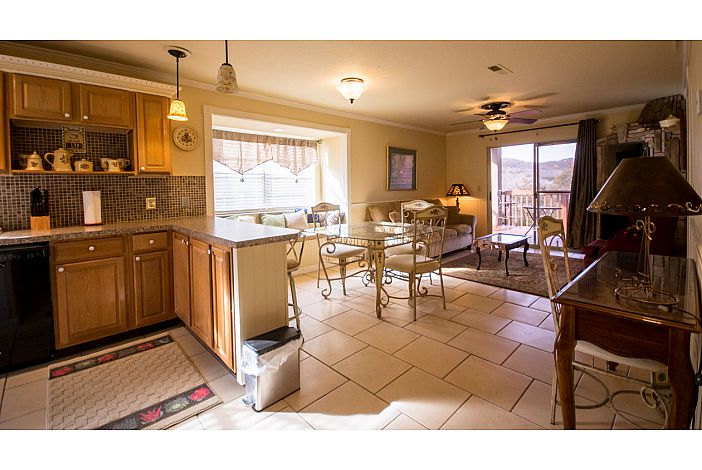 Branson Vacation Rental | Eagles Nest | Dining
