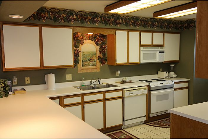 Branson Condo | Thousand Hills Resort | Kitchen