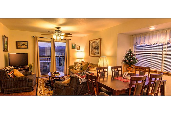 Branson Condo Rental | Eagles Nest | Dining