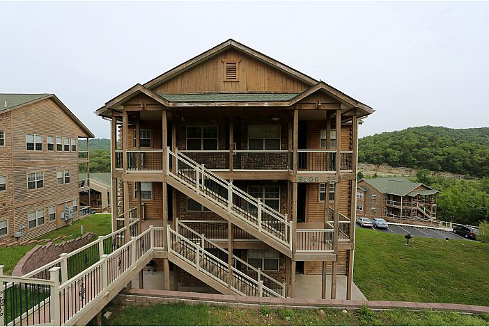 Branson Vacation Rental | Eagles Nest | Building