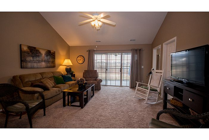 Branson Condo | Thousand Hills Resort | Living
